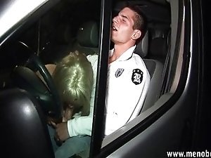 Blonde TS prostitute sucking in the car